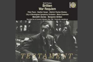 World premiere recording, recorded live at Coventry Cathedral, 30 May 1962. Heather Harper (soprano); Peter Pears (tenor); Dietrich Fischer-Dieskau (baritone); City of Birmingham Symphony Orchestra; Melos Ensemble; Coventry Festival Choir; Boys of Holy Trinity, Leamington and Holy Trinity, Stratford; Meredith Davies and Benjamin Britten (conductors).